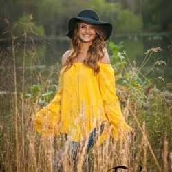 Senior pic in meadow